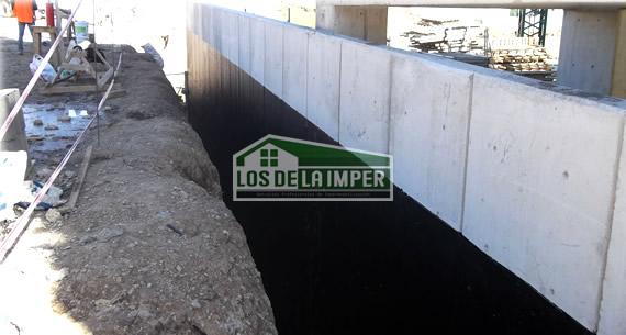 Impermeabilizante cementoso en muro de contención